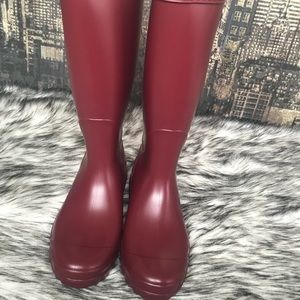 1de82dfed3b ✨Women's UGG Shelby Matte Rain Tall Boot in Garnet